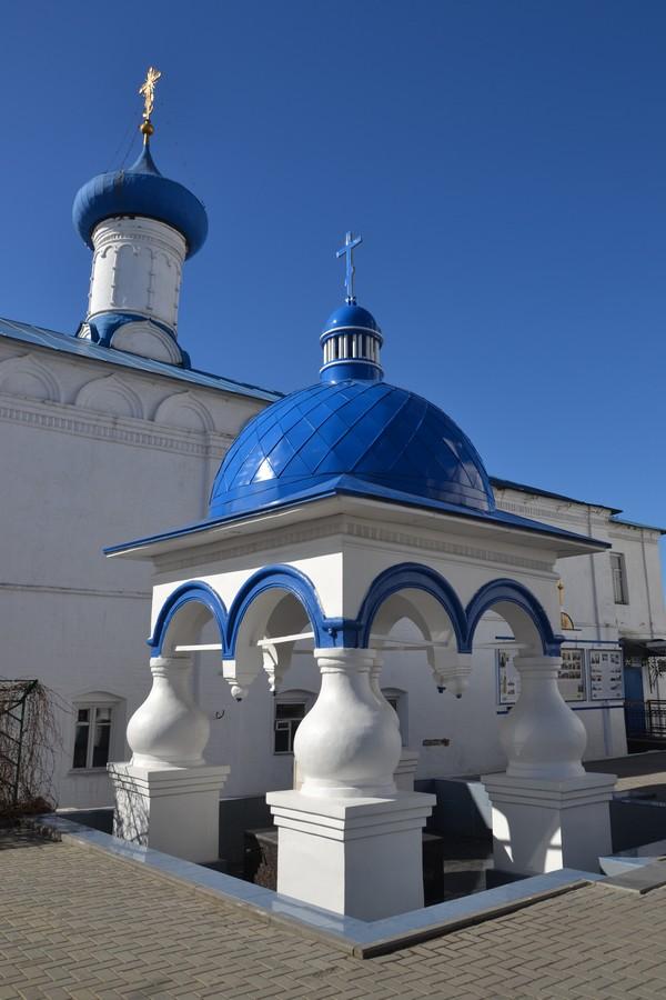 храм на месте явления Богородицы